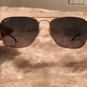 Ray-Ban Caravan sunglasses RB3136